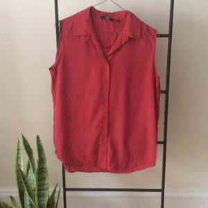 Sleeveless button down